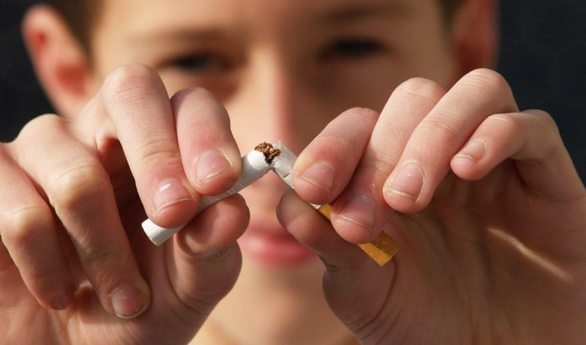 De kans dat stoppen met roken slaagt, wordt groter als je begeleiding krijgt.