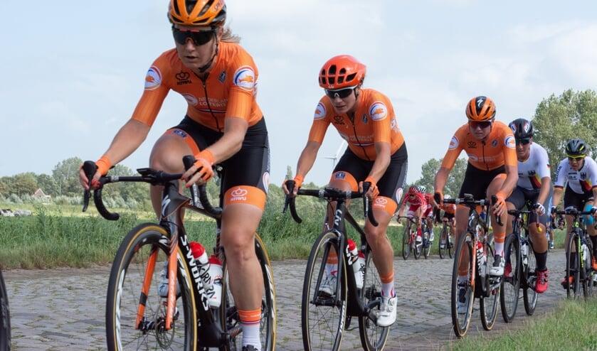 Wielrennen wordt ook door veel vrouwen beoefend. Velocity Ladies Lisse probeert vrouwen te enthousiasmeren voor deze sport.