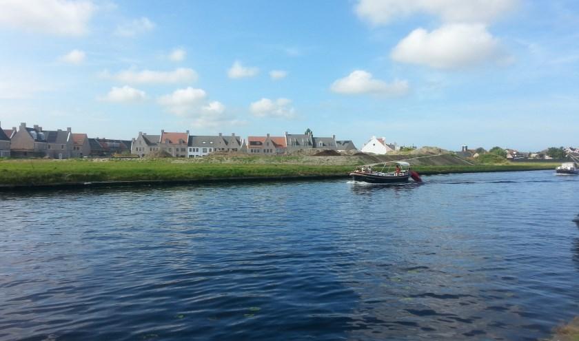 In De Horn langs het kanaal zijn appartementen gepland. | Foto: CvdS.