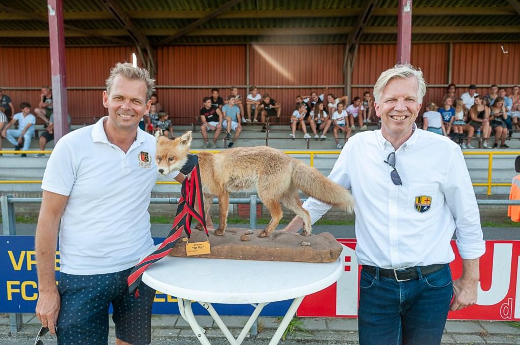 De beide voorzitters bij de Vos. | Foto lichtenbeldfoto.nl  Foto: Paul Lichtenbeld © uitgeverij Verhagen