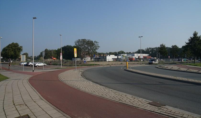 De voorrangssituatie op de kruising Ericalaan - Willem-Alexanderlaan - Mauritssingel blijft zoals die nu is.