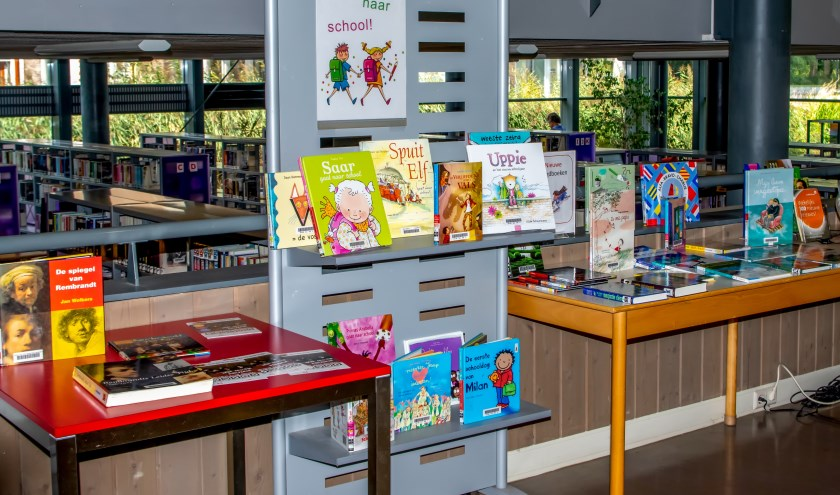 40 procent van de Leiderdorpers bezoekt de bibliotheek in De Sterrentuin minimaal eens per jaar. | Foto: J.P.K.