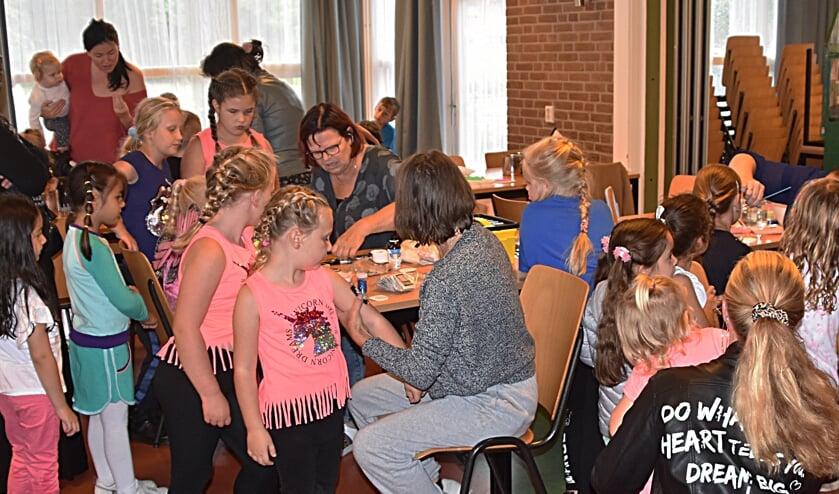 De eerste kindermiddag in De Mijlpaal was meteen een groot succes. | Foto en tekst: Piet van Kampen