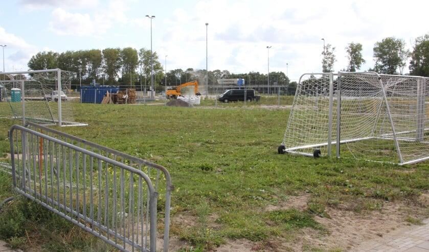 Beperkte activiteiten op de plek waar nieuwbouw is gepland maar waarvoor de de vergunning  is ingetrokken.