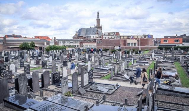 De oude begraafplaats aan de Zuidstraat. | Foto: pr Foto: pr © uitgeverij Verhagen