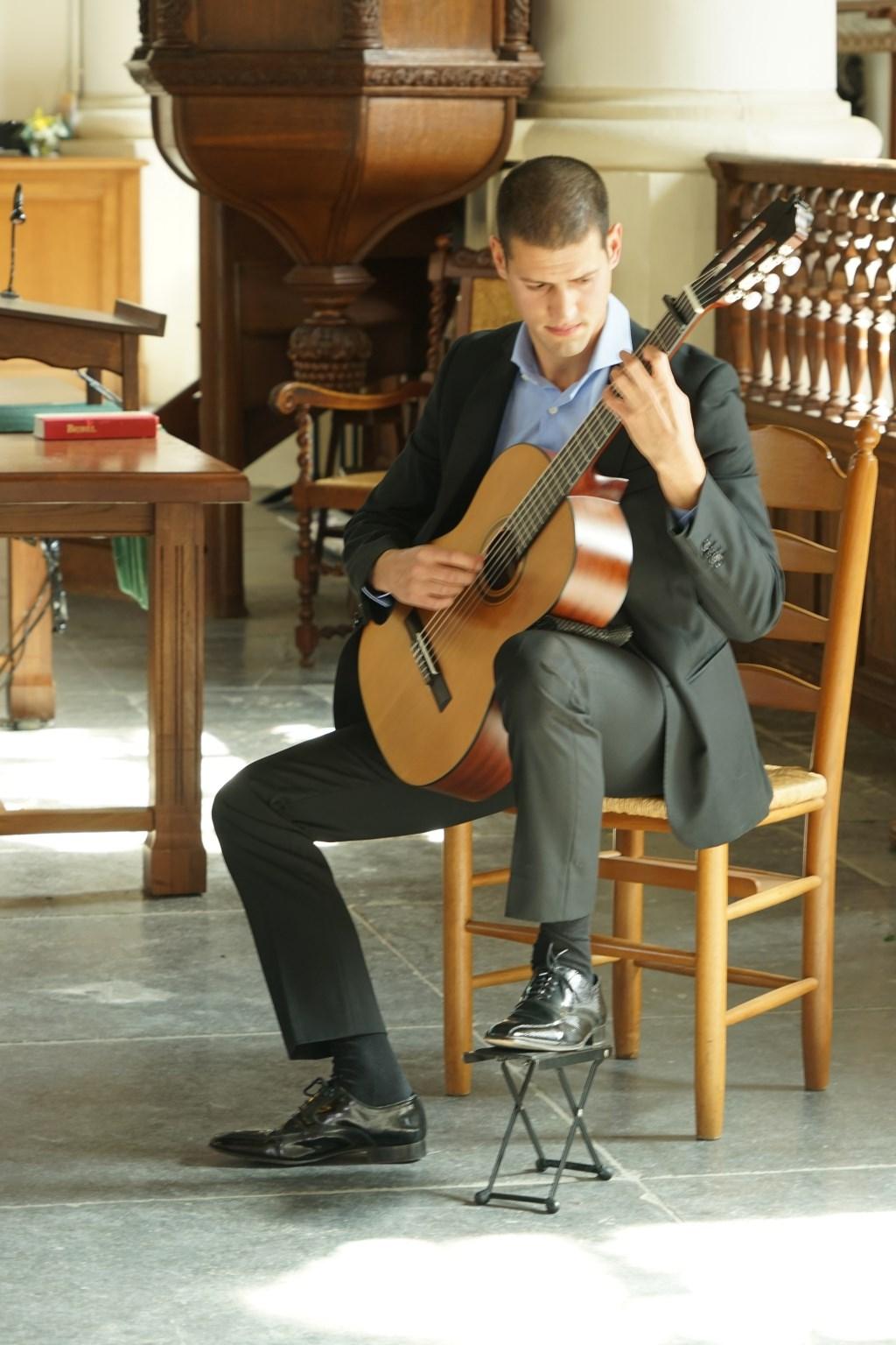 Muziek in de Dorpskerk. Foto: Corrie van der Laan © uitgeverij Verhagen