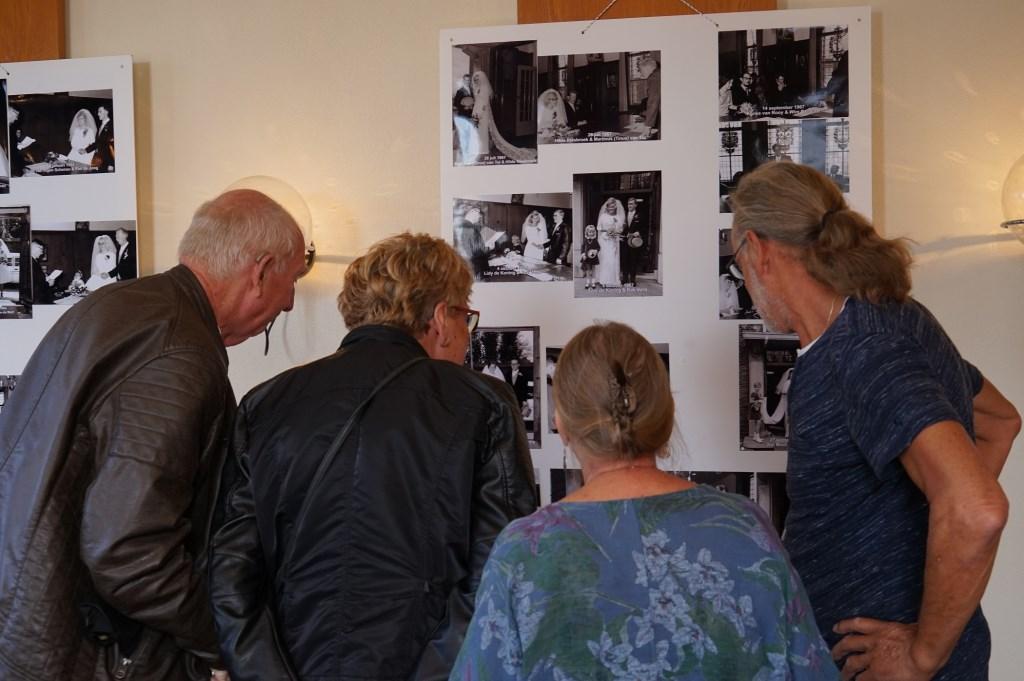 Staat er een bekende bij de bruidsparen?mand  Foto: Corrie van der Laan © uitgeverij Verhagen