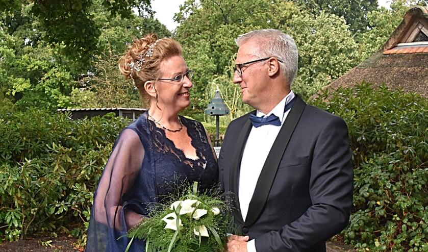 In hun nieuwe, prachtige nestje in Voorhout blikt het kersverse bruidspaar terug op een hele mooie dag. | Foto: PvK