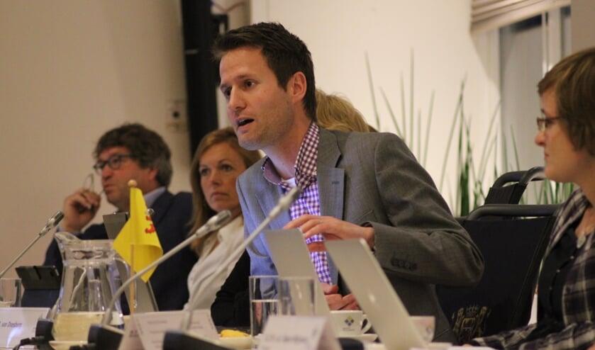 Joost van Doesburg in het debat. Hij verlaat de gemeenteraad. | Foto: archief