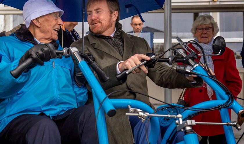 Met de Koning op de fiets. Mooier kan het niet zijn!