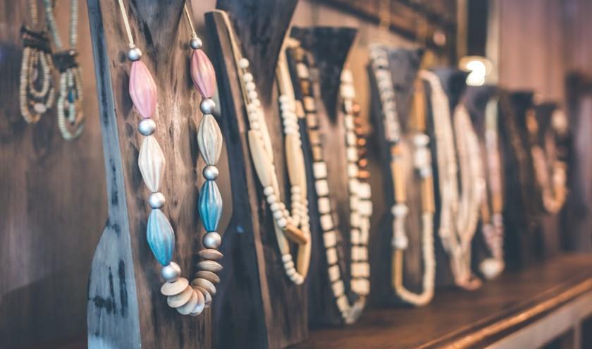 Een ketting of armband maken tijdens de workshop in 't KrantCafé. Heeft u al een ontwerp in gedachten?
