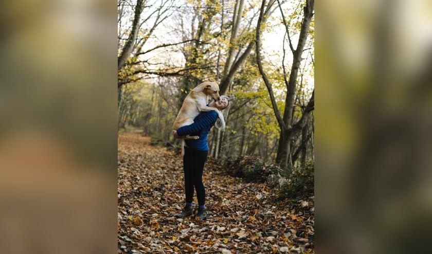 Als een hond een kusje geeft, is dat om te tonen dat hij weet wie de baas is.