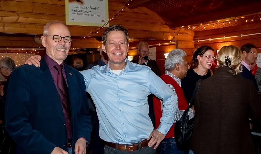 Voormalige voorzitter Joop van Huut (links) en nieuwe voorzitter Rob Jansen van De Bloemhof.