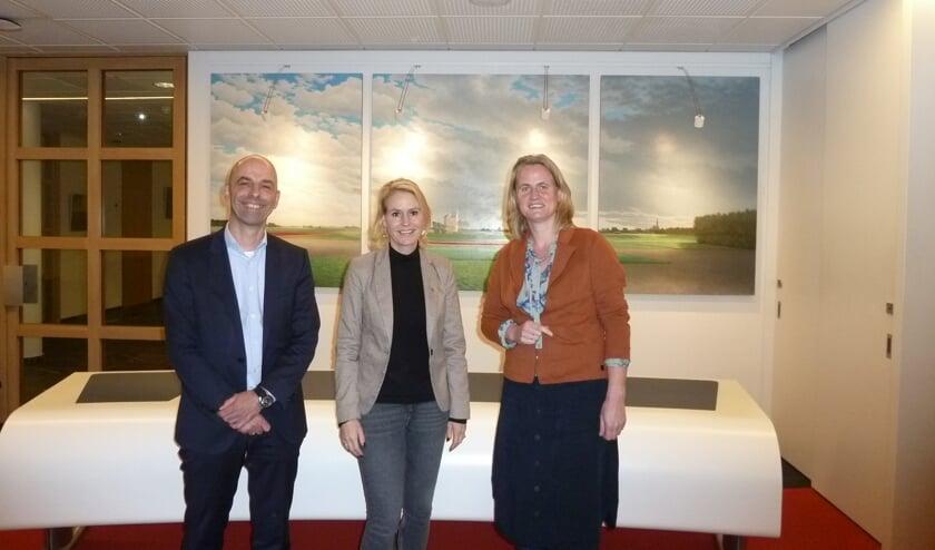 Peter Klink (Vorm/vof De Waterkanten), Jeanet van der Laan en Jolanda de Vries van Stek.