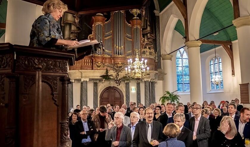 Burgemeester Driessen hield haar nieuwjaarstoespraak vanaf de kansel in de 400 jaar oude Dorpskerk.