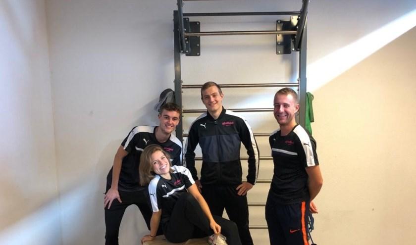 Emma, Luuk, Max en Mike zijn studenten Sportkunde. | Foto: pr