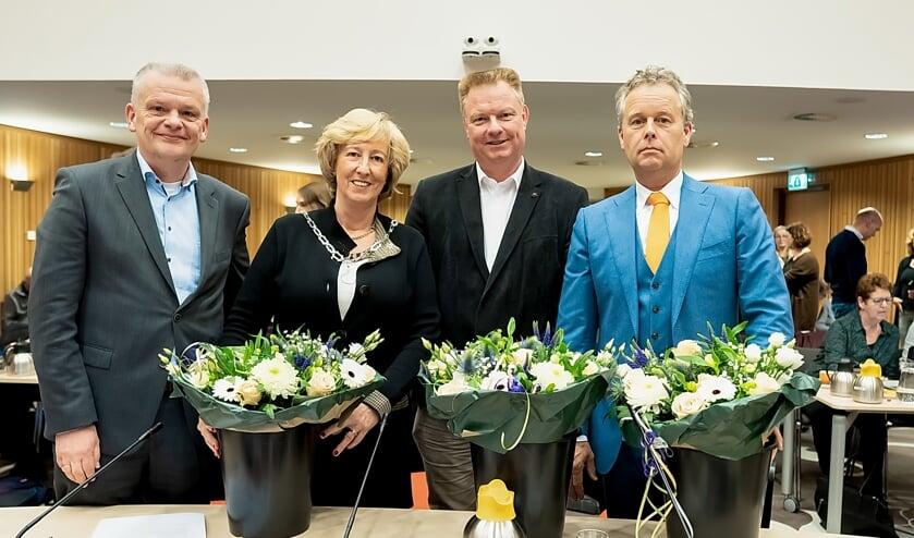 Het college is weer compleet. V.l.n.r. Daan Binnendijk (CDA), burgemeester Laila Driessen, Rik van Woudenberg (D66) en Willem Joosten (VVD). | Foto: J.P. Kranenburg