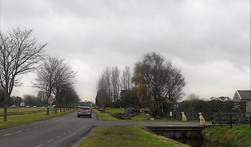 De Kooltuinweg, die aan de zuidkant parallel loopt aan de Tjalmaweg. | Foto: Piet van Kampen