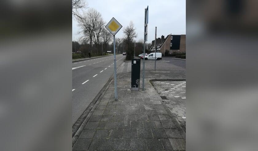 Een laadpaal in de straat, onmisbaar als je een elektrische auto hebt en geen eigen oprit.