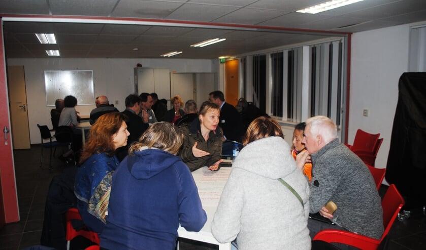 De deelnemers wisselden ideeën met elkaar uit over de thema's accommodaties, vrijwilligers, doelgroepen en scholen. | Foto: Nelleke Thissen