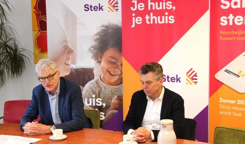 Bestuurders Willem van Duin en Hans Al wijzen op alle voordelen die een fusie biedt.   Foto: WS