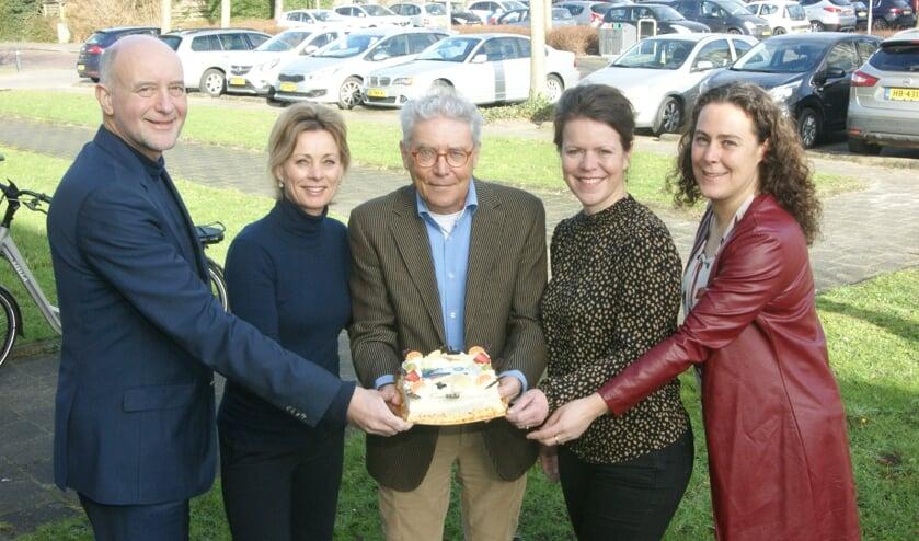 Wethouder Arno van Kempen, POH jeugd Voorhout Judith Wiltenburg, Frans Zonneveld, POH Jeugd Warmond Nicoline Sieval en Carola van Maris.