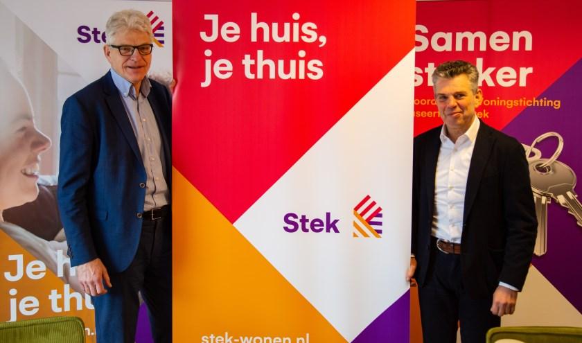 Stek bestuurder Hans Al (l) en Willem van Duin (Noordwijkse Woningstichting). | Foto: pr, tekst: Wim Siemerink