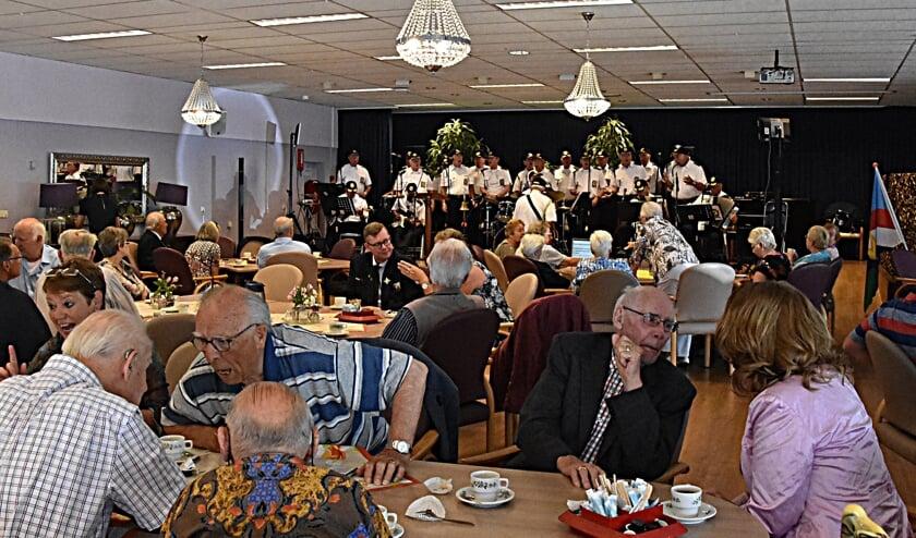 Het 'oude' zeemanskoor Overal zingt tijdens Veteranendag. | Foto: archief