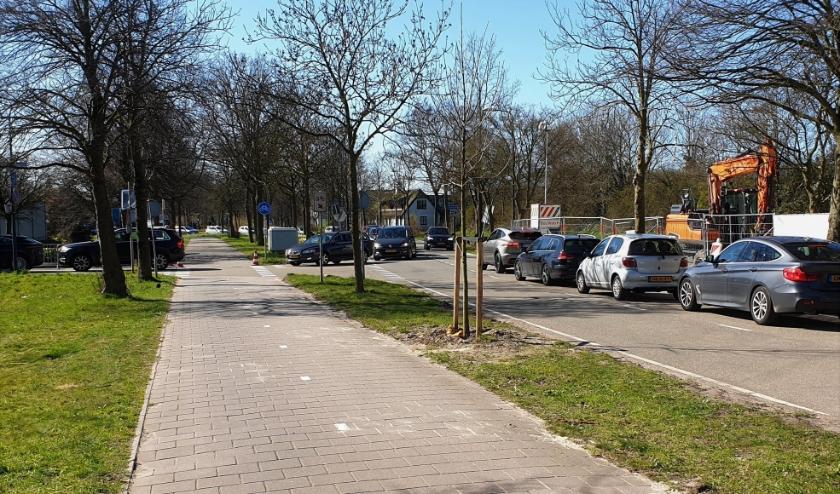 Zaterdagmorgen moesten 2 boa's de file begeleiden die ontstond voor de milieustraat. Dit o.dat een beperkt aantal mensen het terrein op mochten.