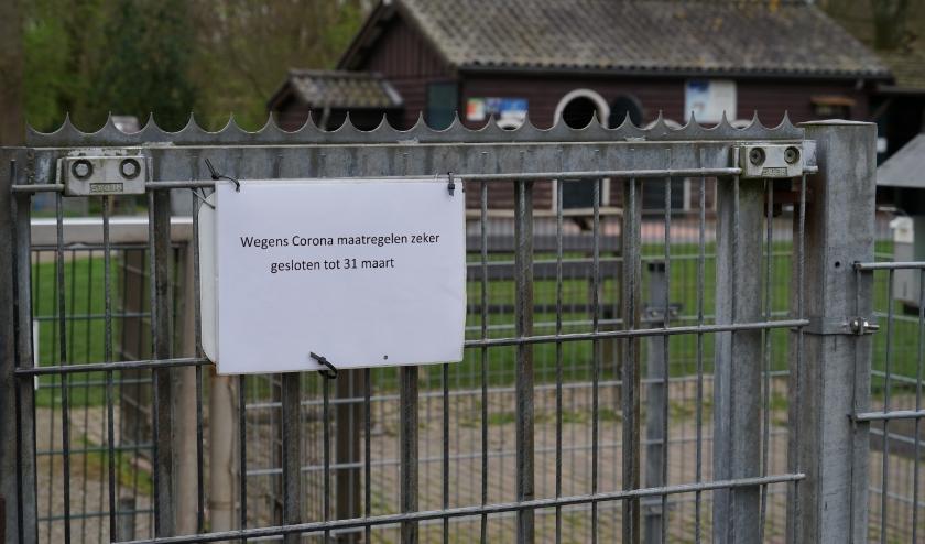 De hekken van de kinderboerderij blijven voorlopig dicht.