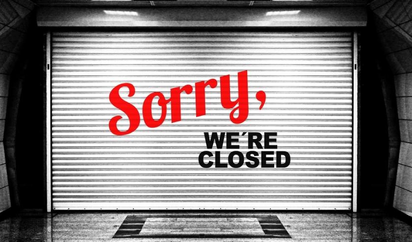 Waar de ene winkelier zijn zaak sluit, hebben anderen gewijzigde (vaak beperkte) openingstijden