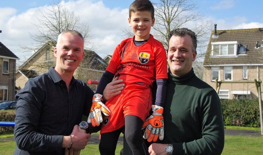 FCO-keeperstrainer Rob Heemskerk, keeper Ruben Schouten en vader Fabian Schouten. |