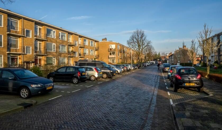 Betaald parkeren in Leiden kan extra parkeeroverlast geven in de Splinterlaan. | Foto: J.P. Kranenburg