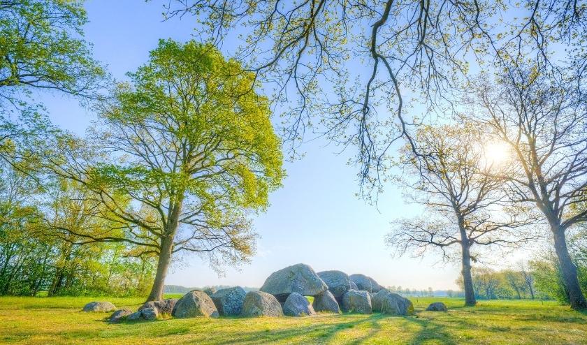 Drenthe staat bekend om de hunebedden. De provincie is als vakantiebestemming favoriet bij inwoners van West-Nederland.