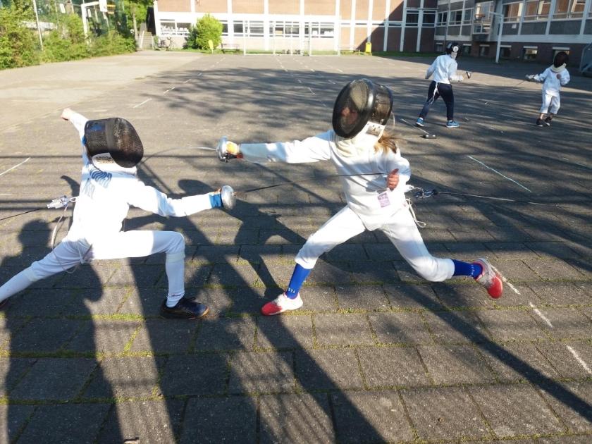 Zachary en Nuria enthousiast bezig tijdens hun eerste training in lange tijd. | Foto E. Treffers