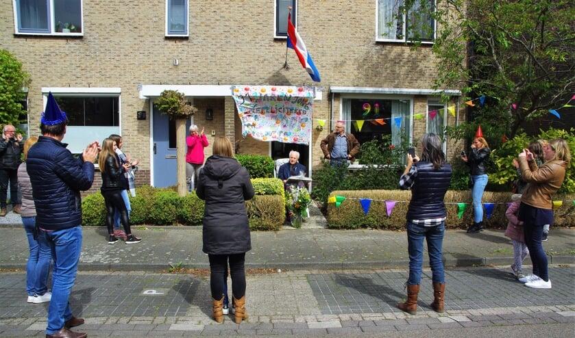 Joop den Hollander genoot van de felicitaties. | Foto Willemien Timmers