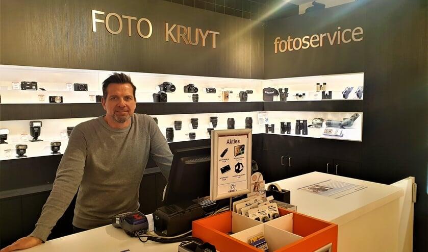 Hans Kruyt in de nieuwe winkel aan het Bosplein. | Foto: pr