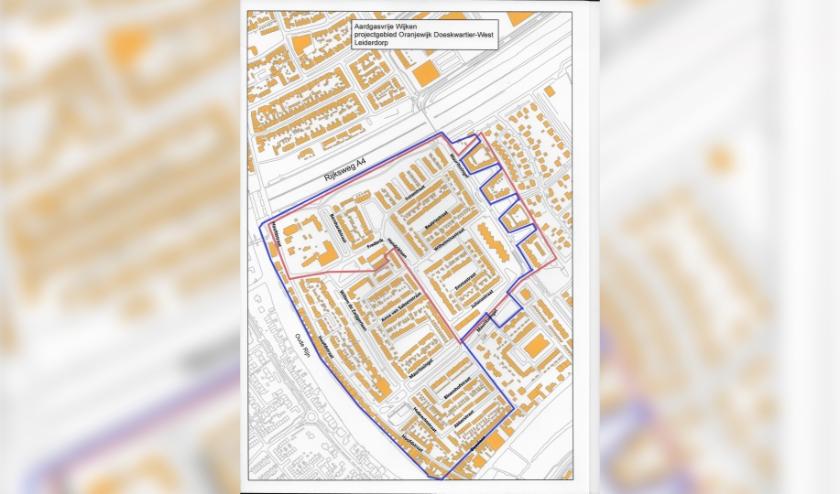 De blauwe lijn omgeeft het oorsponkelijke projectgebied, de rode lijn het gebied waarvoor subsidie is aangevraagd via het programma 'Proeftuinen aardgasvrije wijken van de Rijksoverheid.