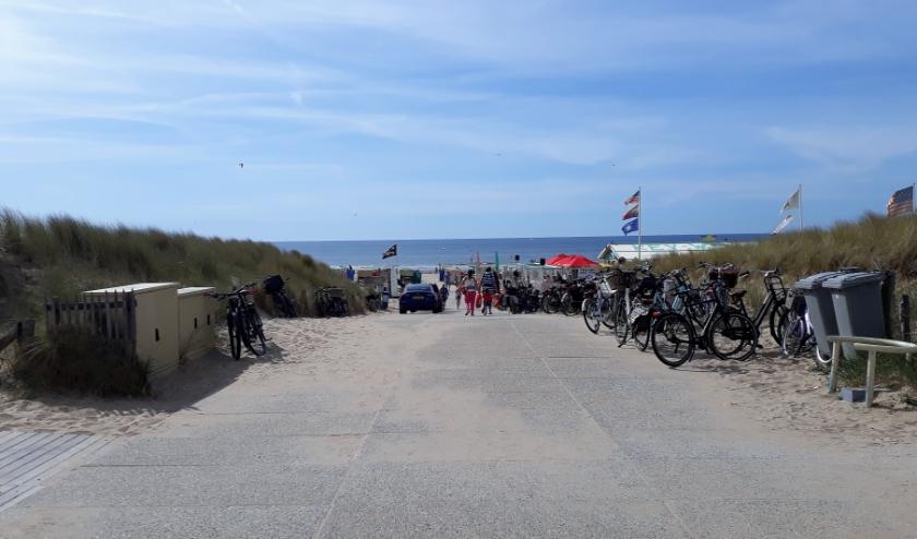 Een overgrote meerderheid van de raad wil 'blokkadevrije' strandafgangen. | Foto: SKvD