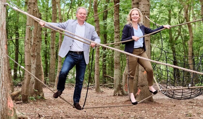 Quirine Kamphuisen en Lars Flinkerbusch  trappen Fase drie van het project Kuuroord af in het Klimbos. | Foto: PR