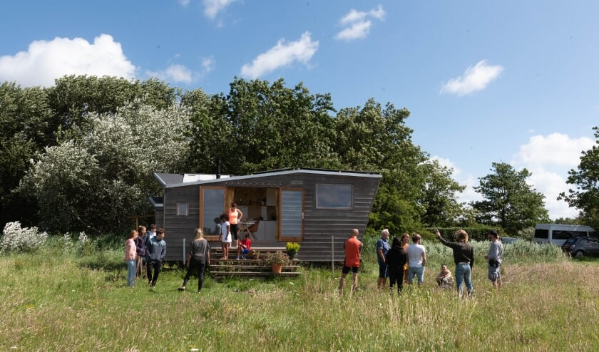 Het tiny house trok veel belangstellenden. | Foto: Richard van Egmond