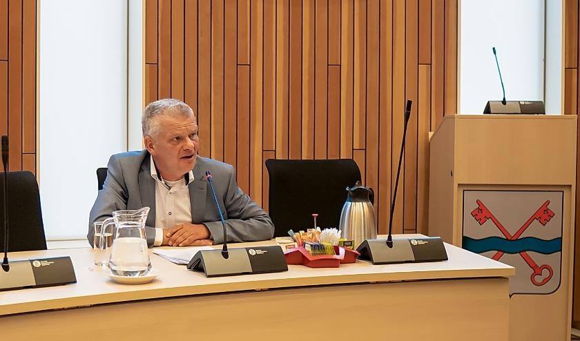 Wethouder Daan Binnendijk lichtte de kadernota maandag toe aan de pers.| Foto: J.P. Kranenburg