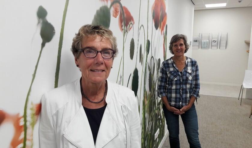 Els Koster en Maria Zwart over de nieuwe opzet. Jurylid Manon van Dijk was vanwege ziekte afwezig. | Foto: MV