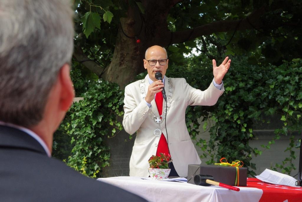Dick de Groot Lintje Koninklijke Onderscheiding Foto: Willemien Timmers © uitgeverij Verhagen