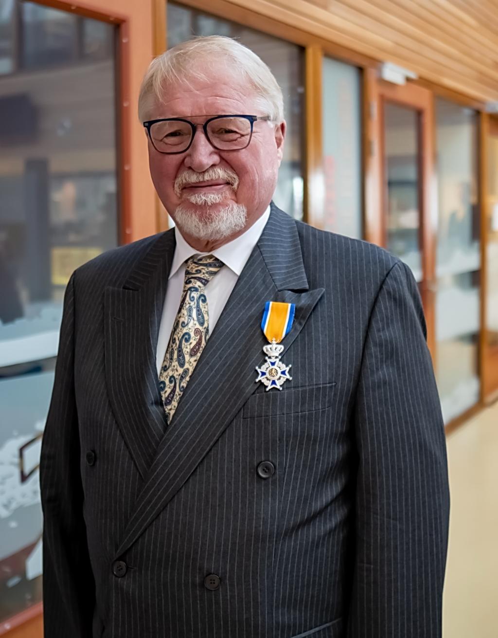 Jan Albert Dop, Ridder in de Orde van Oranje Nassau.  Foto: J.P.Kranenburg © uitgeverij Verhagen