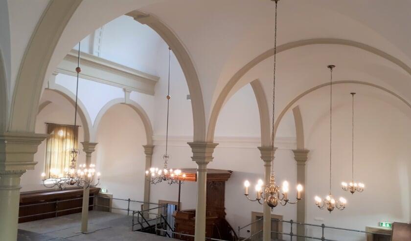 Muren en plafonds zijn gerepareerd en gewit.