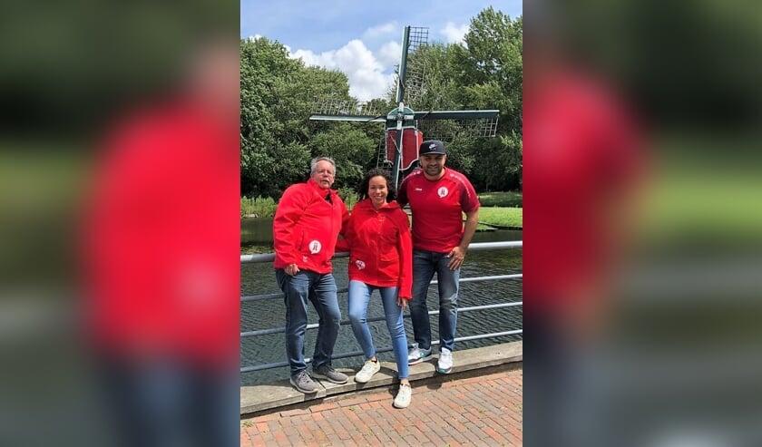 Diderik (06-39861190), Chantal (06-11018949) en Kawa (06-48969403) geven het vernieuwde jeugd- en jongerenwerk van STJJMH in Oegstgeest een gezicht.
