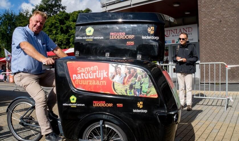 Wethouder Rik van Woudenberg nam de bakfiets officieel in gebruik.