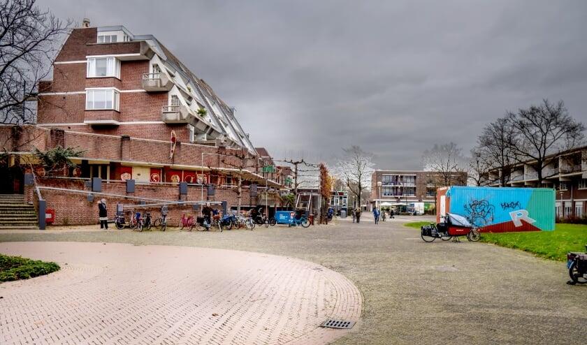 <p>Het plein voor winkelcentrum Winkelhof zit er momenteel troosteloos uit.&nbsp;</p>