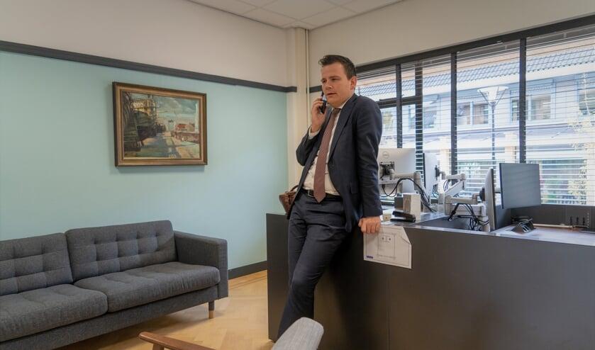 <p>Een deel van een dag van wethouder Gerard Mostert in beeld.   Foto&#39;s: Marc Wonnink</p>